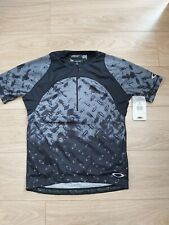 OAKLEY PLATE MEN'S CYCLING JERSEY SIZE M NEW BRAND