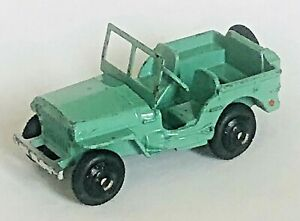DINKY TOYS No 25J WILLYS JEEP. - PALE GREEN WITH BLACK WHEEL HUBS scarce 1947/48