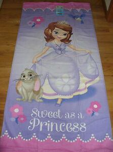 """NWT Disney Sofia the First Beach Bath Towel Plush 28"""" x 58"""" Clover Cute!"""