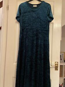 Green Velvet Long Dress Size 16
