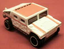 2014 HOT WHEELS-1/64 White Diecast General Corp Hummer Rescue-LN-Malaysia