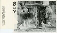 SALLY STRUTHERS IN DOGGIE CAGE WITH DOGGIE GLORIA TV SHOW ORIG 1983 CBS TV PHOTO