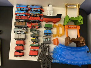 Thomas the Train Trackmaster HUGE Lot 40 Pieces ALL WORKING