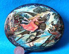 Russian LACQUER jewellery Box Fairy tale Thumbelina Sparrow Kholui BELOVA signed