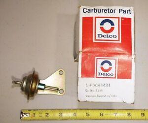 NOS GM 1977 A B Body Rochester 4BC carburetor choke vacuum control w/ bracket