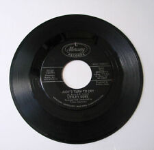 45 RPM LESLEY GORE She's A Fool b/w The Old Crowd MERCURY 72180  NM