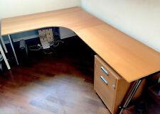 Scrivania angolare professionale in legno con mobile porta documenti