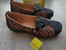 HOTTER NAVY SUEDE FLORAL FLAT SHOES. SIZE 9. NEW WITH TAGS . SERENITY EE FIT