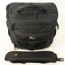 Lowepro Nova 180 AW Kameratasche/Fototasche schwarz/sehr gut/vom Fotofachhändler