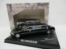Lincoln Town Car Limousine  in schwarz  Vitesse  Maßstab 1:43  NEU  OVP