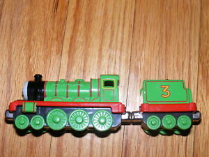 LEARNING CURVE THOMAS & FRIENDS DIE CAST #3 HENRY TRAIN + TENDER
