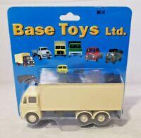 BASE TOYS - 1:76 DIECAST - LEYLAND BEAVER 3 AXLE BOX VAN - M6C-01