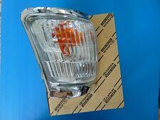 New Genuine/OEM TOYOTA HILUX PICKUP 1998-2004 R-H INDICATOR TURN LIGHT LENSE