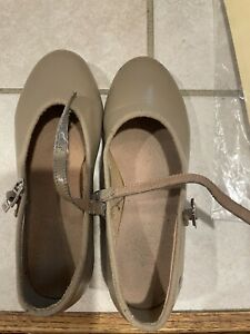 Girls Tap shoes  Size 13 1/2 Medium