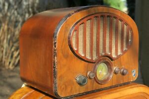 Ancien Poste Radio à Lampes Pour Restauration Ou Déco style coloniale ASTOR