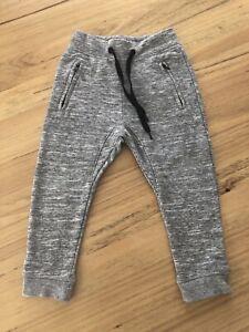 Boys H&M Track Pants Size 4 EUC