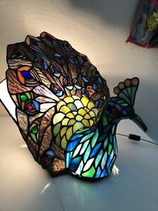 Tiffany Style Stained Glass Peacock Table Lamp Preowned Very Good Condition