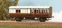 Ratio 613 GWR 4 Wheel Brake Coach 2 x 3rd Class Compartments 00 Plastic Kit -T48