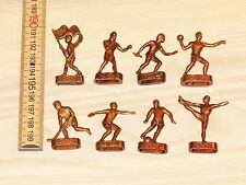 8 x OLYMPIA 1952 HELSINKI FIGUREN aus PLASTIK SPORTLER ORIGINAL - RAR OLYMPIADE