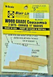 """Blair Line N Scale Wooden Grade Crossing for 11"""" Radius Curve Track"""