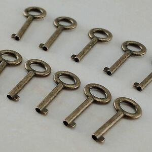 (20 pcs) Vintage Style Open Barrel Keys Wedding Pendants Charms