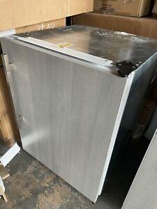 """24"""" Sub-zero Undercounter Refrigerator  UC-24CI"""