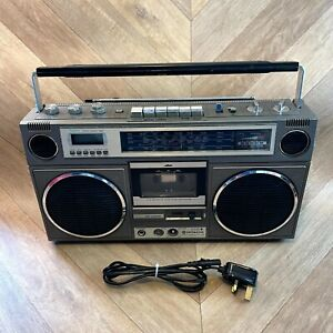 Vintage Hitachi TRK-8110E Radio Cassette Boombox 4-Band Radio Rare Made in Japan
