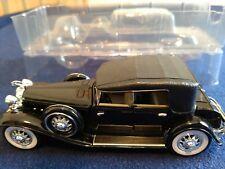 Vintage 1932 Chrysler LeBaron 1/32 Scale Diecast Car Signature