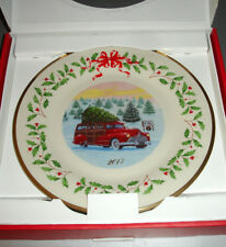 "Lenox 2017 Holiday Annual Collector Plate Red Woody Station Wagon 11"" New"