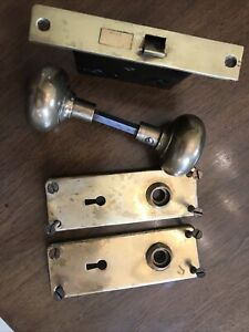 VINTAGE BRASS DOOR KNOB SET WITH MORTISE LOCK , BACKPLATES and SCREWS
