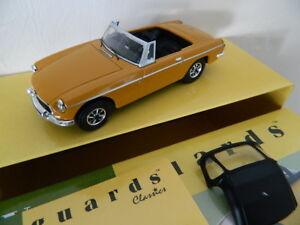 VANGUARDS 1//43 MGB Roadster Acconite Purple RHD VA10712 New in case
