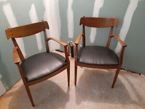 Pair Drexel Declaration Walnut Dining Chairs Kipp Stewart 2 arm mcm seating