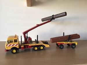 MATCHBOX MERCEDES LOG TRUCK #  K43/3 WITH TRAILER AND 3 ORIGINAL LOGS