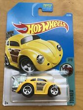 2017 Hot Wheels #172 Tooned VOLKSWAGEN BEETLE Yellow w/5 Spoke Wheels 7/10