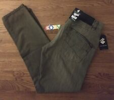 NWT MSRP $59 ROCAWEAR CLASSIC FIT Size 32X32 100% Cotton Olive Green Men Jeans