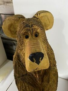 Chainsaw Carved Bear Sitting Bear Carved Wooden  Bear Carvings