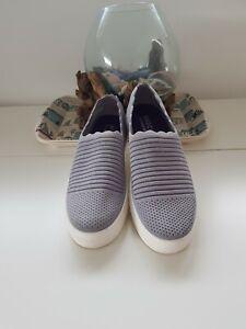 Damen Sketchers grau lila schimmernd Sneaker mit Memory Foam Air- Cooled 39 NEU