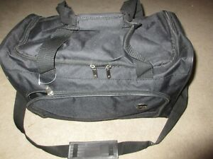 """17"""" Classic Travel Duffle """"American Tourister"""" w/Shoulder Strap (Perfect Size)"""