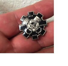 US NAVY ENGINEMAN PIN NON CPO Badge Gear