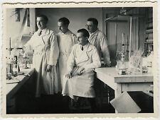 PHOTO ANCIENNE - MEDECIN EXPERIENCE LABO CHIMIE - MEDICAL MEN - Vintage Snapshot