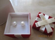 AVON*GENUINE 8 mm FRESHWATER PEARL EARRINGS IN RED VELVET PRESENT GIFT BOX*NEW*
