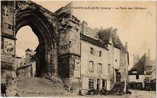 CPA  La Charité-sur-Loire (Niévre) - La Place des Pécheurs     (456561)