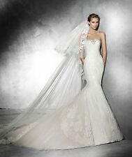 PRONOVIAS PRUDA  lace mermaid wedding dress  gown Ret $2350 size US 8 EU 38