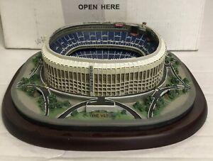 Danbury Mint Veterans Stadium Mini Replica Philadelphia Eagles-Excellent-W/Box