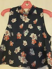 Mink Pink ladies top size 8 (tag off) navy floral