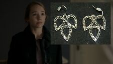 THE AMERICANS PAIGE HOLLY TAYLOR PRODUCTION WORN JEWELRY PAIR OF EARRINGS (A8)