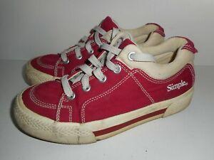 Vintage Women's Simple Skate Shoes Size 7 (9902 F14001L)