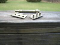 Nice Gillette Old Type Open Comb DE Safety Razor Gold & Slvr Tone (No Date Code)