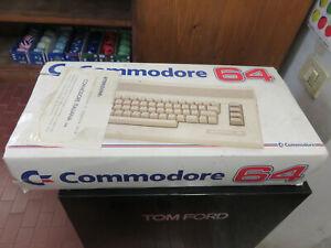 Retro Computer Vintage Commodore 64 C + Alimentatore Ottimo imballo originale