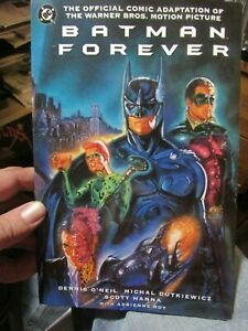 Batman Forever The Official Comic Adaptation DC Movie 1995 w/Collector Card/Chip